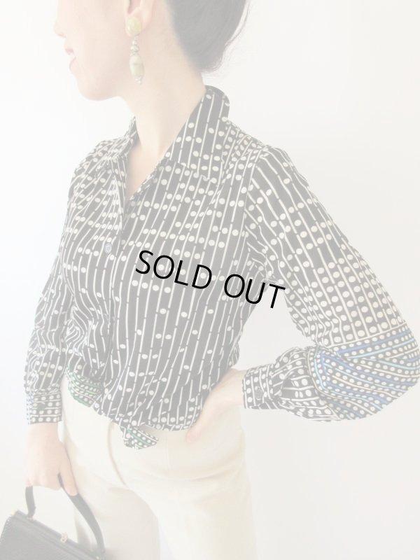 画像1: 【やみつきレトロ*】差し色使いデザインのモノトーンシャツ