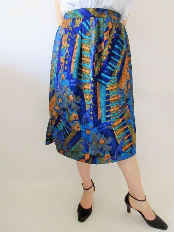 画像1: 【シンプルに1点投入*】アートなフラワーデザインスカート