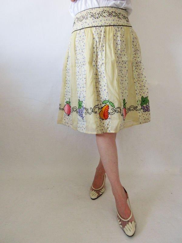 画像1: 【チャーミング指数アップ*】フルーツ刺繍スカート